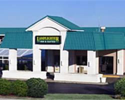 ‪Lamplighter Inn & Suites North‬