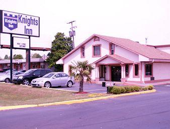 Knights Inn - Huntsville