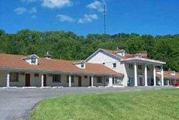 Minuet Manor Motel
