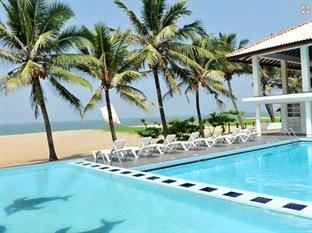 Photo of Catamaran Beach Hotel Negombo