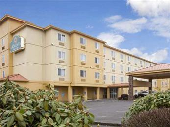 Photo of La Quinta Inn Suites Salem