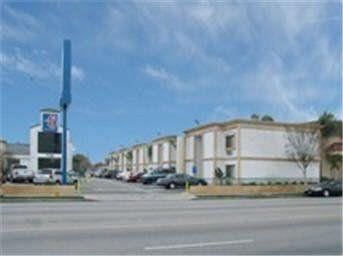 Motel 6 Canoga Park