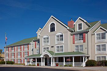 Photo of Country Inn & Suites Plymouth