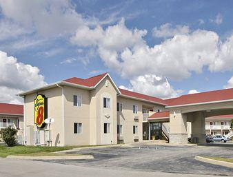 Super 8 Motel Indianapolis / NE / Castleton Area