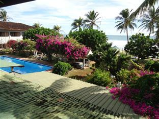 Photo of Sunils Beach Hotel Hikkaduwa