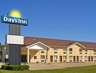 Days Inn - Charleston