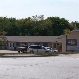 Photo of La-Conn-E Motel Corning
