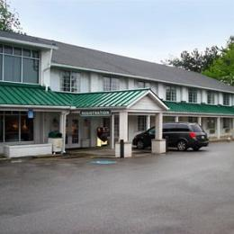Photo of Surrey Inn Hotel Ashland