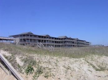 ‪Outer Banks Beach Club‬