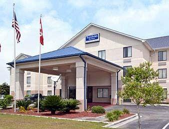 Photo of Travelodge Suites Savannah Pooler