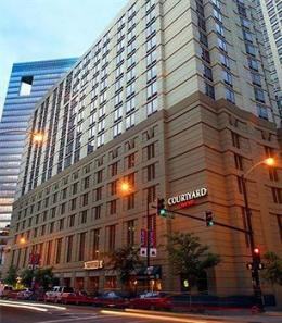 ‪Courtyard by Marriott Chicago Downtown River North‬
