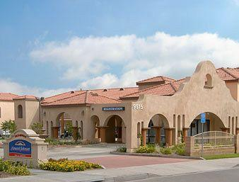 Howard Johnson Inn & Suites Pico