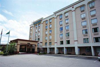 Photo of La Quinta Inn & Suites New Britain/Hartford South