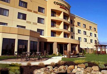 Photo of Courtyard Lima Ohio