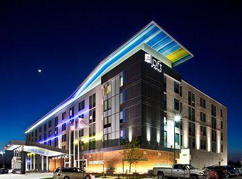 aloft Dulles Airport Hotel