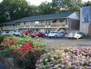 ‪Knights Inn Park Villa Motel‬