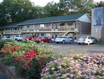 Knights Inn Park Villa Motel