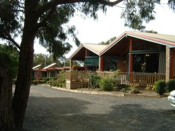 Maroo Cottages