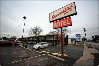 Thunderbird Motor Inn