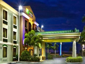 ‪Holiday Inn Express Clewiston‬
