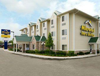 ‪Microtel Inn & Suites by Wyndham Indianapolis Airport‬
