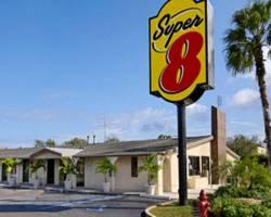 ‪Super 8 West Palm Beach/Lantana‬