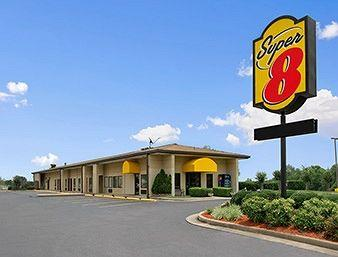 Photo of Super 8 Tupelo Airport Belden