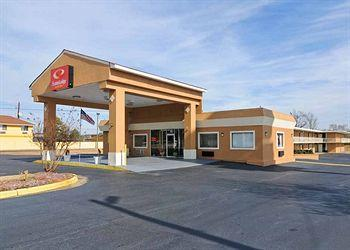 Photo of Econo Lodge Inn & Suites Macon