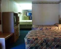 Woodberry Inn & Suites