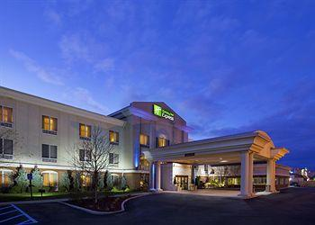 ‪Holiday Inn Express Toledo-Oregon‬
