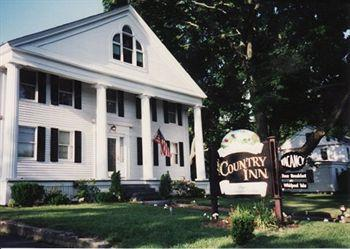 ‪Sturbridge Country Inn‬