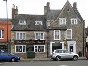 Portcullis Hotel
