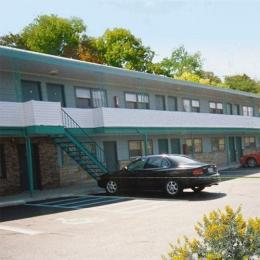 Budget Host Super 7 Motel, Sedalia