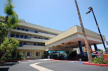 Photo of Comfort Inn & Suites LAX Airport Inglewood