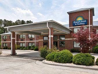 Days Inn & Suites Warsaw
