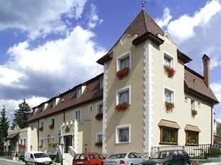 Photo of Kikelet Club Hotel Miskolc
