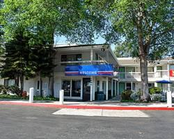 Motel 6 Oakland-Embarcadero