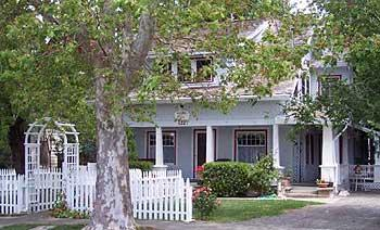 Davis Bed & Breakfast Inn