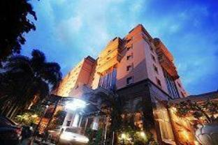 Photo of Ambhara Hotel Jakarta