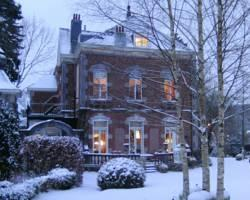 Manoir Ormille Bed and Breakfast