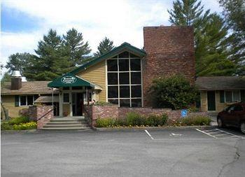 Photo of Town & Country Resort Motor Inn Stowe