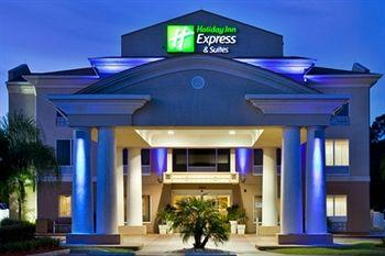 ‪Holiday Inn Express Hotel & Suites Tavares‬