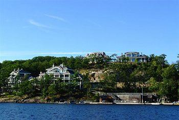 ‪Touchstone on Lake Muskoka‬