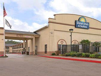 Opelousas Days Inn & Suites