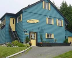 Photo of Surfs Inn Guesthouse/Rainforest Cottages Ucluelet