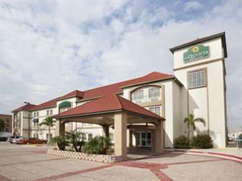Photo of La Quinta Inn & Suites Pharr at Nolana