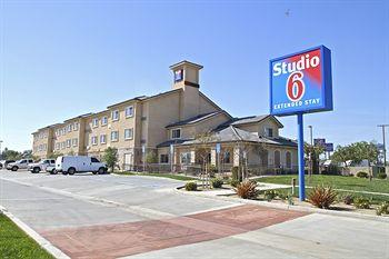 Studio 6 Extended Stay Airport