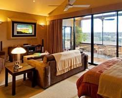 Romantic Getaways at Riverview Rise Retreats
