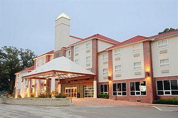 ‪BEST WESTERN PLUS Sandusky Hotel & Suites‬