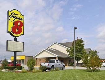Super 8 Motel - Alton